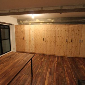 構造用合板で壁面収納作成 大阪 リノベーション オーダー家具